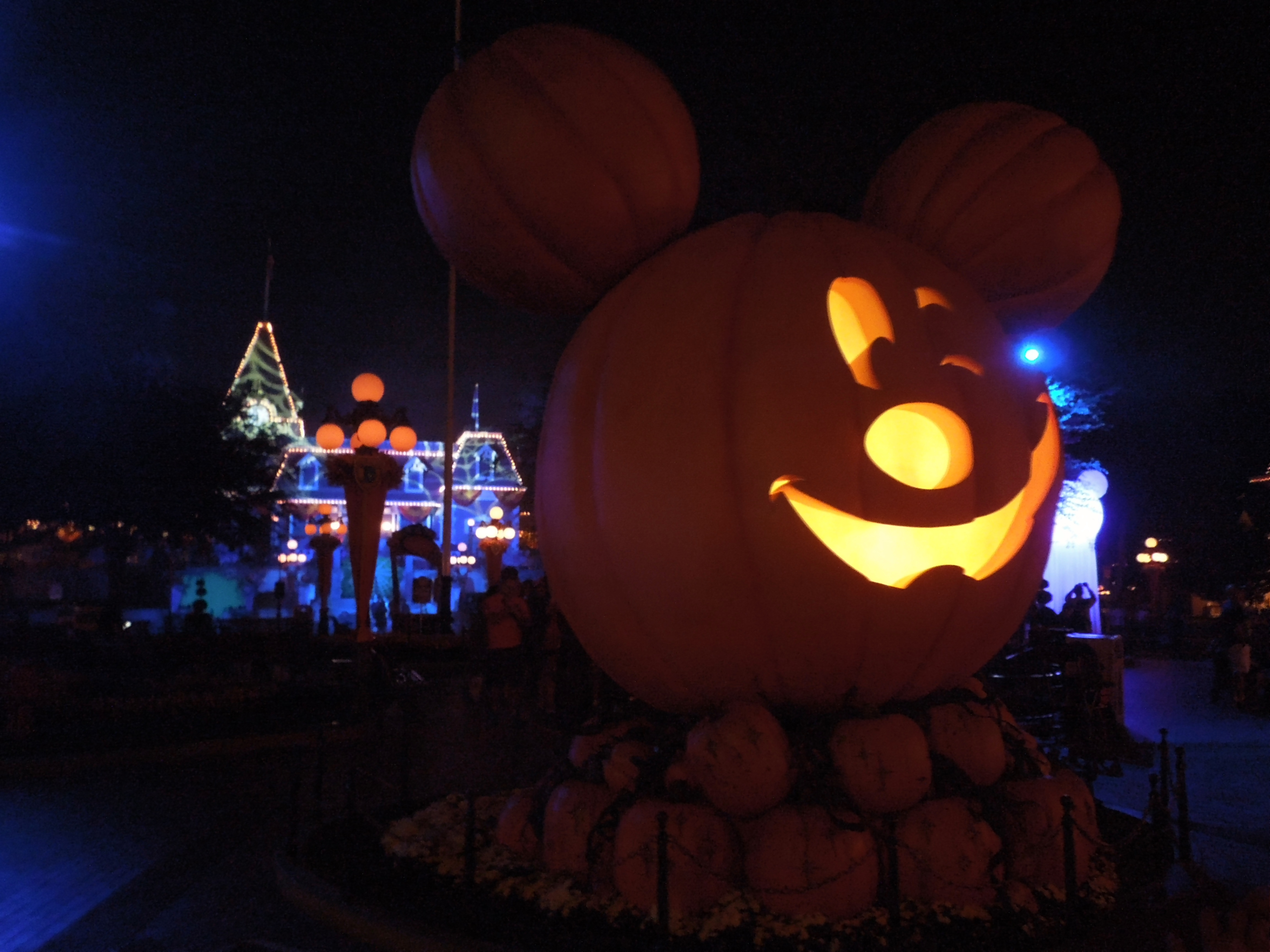 Mickey's Halloween Party! – The Whiskey Wanderer