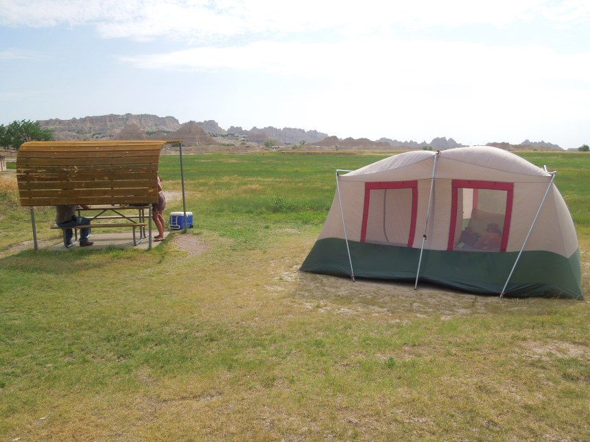 Where to camp in badlands, camping in badlands, lodging in badlands, badlands, badlands national park, where to stay in badlands national park, cedar pass campground, south Dakota, camping in south Dakota, where to camp in south dakota