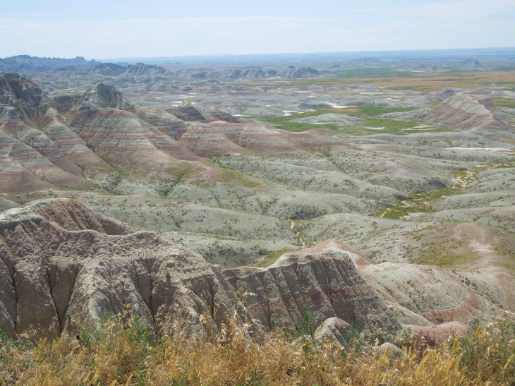 Badlands national park, what to pack for badlands national park, things to do in badlands national park, weather in badlands national park, visiting badlands national park, preparing for a trip to badlands, south Dakota, things to do in south Dakota, badlands