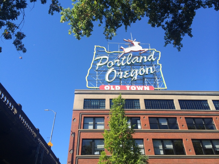 How to spend one day in Portland, 24 hours in Portland, Portland, things to see in Portland, things to do in Portland, what to do in a weekend in Portland, Deschutes, voodoo doughnuts, portlandia, burnside bridge, welcome to Portland sign, Portland Saturday market, downtown Portland, Portland farmer's market, Oregon beer, breweries in Portland, Portland sightseeing, travel, travel guide for portland